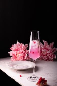 Pink pomegranate sparkling lemonade for party