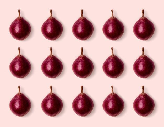 분홍색 배경에 분홍색 보라색 배입니다. 미니멀한 스타일. 가 수확 개념입니다. 파스텔 색상 패턴입니다.