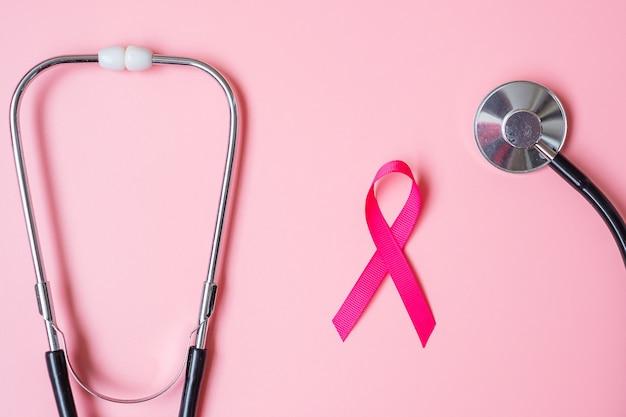 Розовая лента со стетоскопом