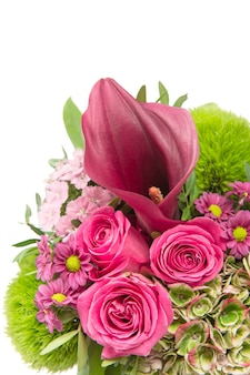Розовые розы с цветочным декором