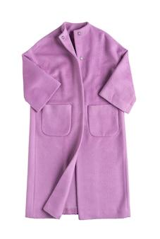 Розовое женское пальто на белом фоне