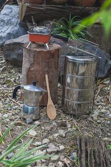 Пинто - название кемпингового горшка для приготовления с помощью кофеварки moka pot в горный день.
