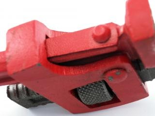 Pipe wrench, industrial
