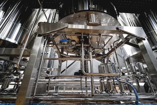 Трубы и арматура на современной пивоварне