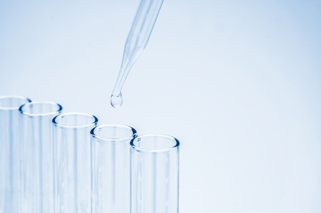 Pipette drop chemical to the laboratory glassware