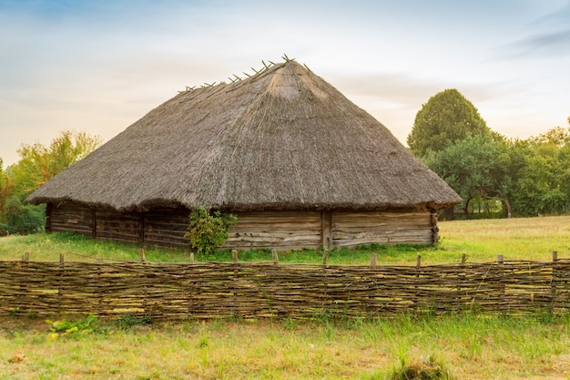 村pirogovoの古いウクライナの家