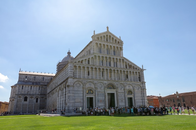 Pisa, italy - june 29, 2018: panoramic view of pisa cathedral (cattedrale metropolitana primaziale di santa maria assunta) is roman catholic cathedral dedicated to the assumption of the virgin mary