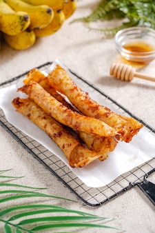 ピスコクまたはバナナチョコレートはインドネシアの伝統的なスナックです