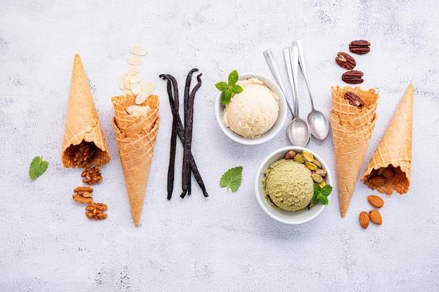 Pistachio and vanilla ice cream in bowls