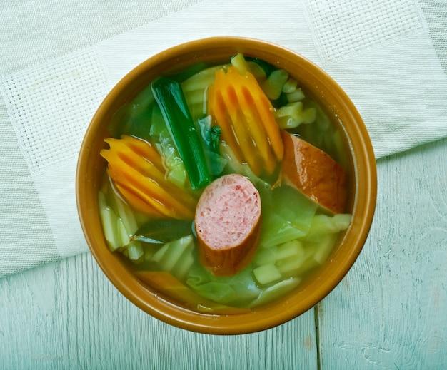 Pitter und jupp - немецкий суп с савойской капустой и копченой колбасой