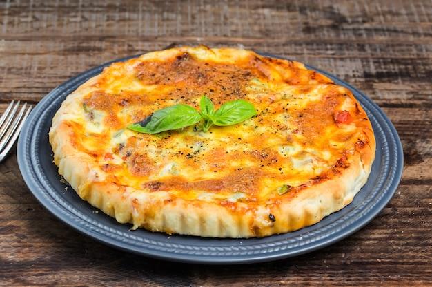 ピザ、ビーフピザ、