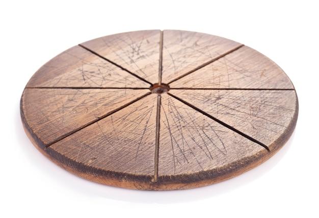 피자 절단 나무 보드 또는 트레이 흰색 배경에 고립