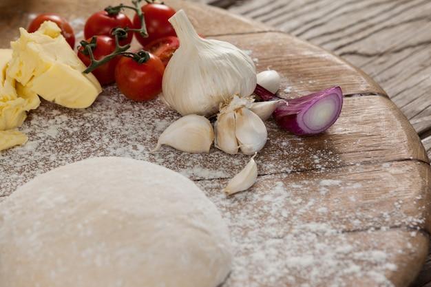 ピザ生地と小麦粉