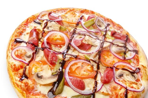 흰색 배경에 고립 된 피자