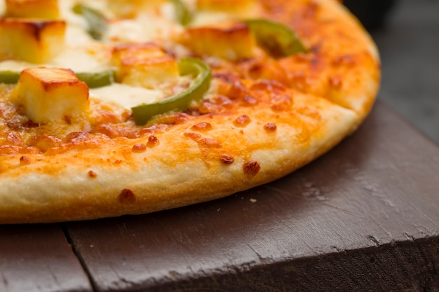 ピザパニエマカニ自家製おいしいピザ