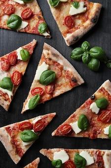 Пора пиццы! вкусная домашняя традиционная пицца по итальянскому рецепту