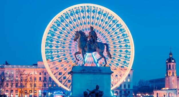 밤, 리옹 프랑스 루이 14 세 왕의 벨 쿠르 동상