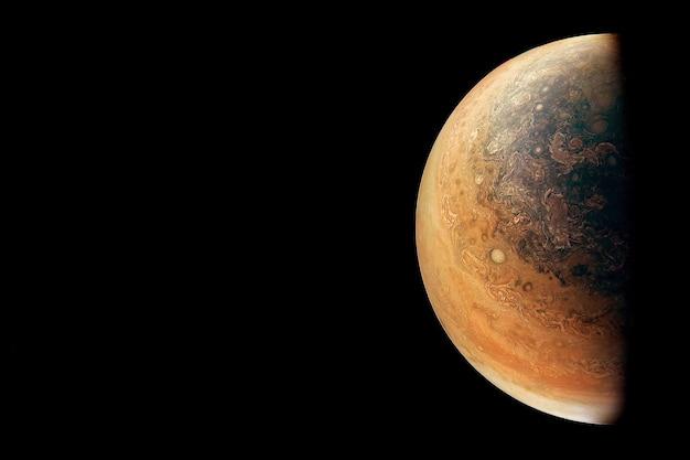 暗い背景の惑星木星この画像の要素はnasaによって提供されました