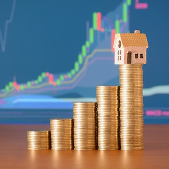 주택 구입을위한 저축 동전 계획 프리미엄 사진