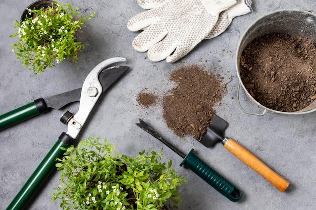 식물 원예 도구를 닫습니다.