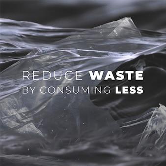 Sacchetto di plastica alla deriva sulla campagna per l'inquinamento degli oceani
