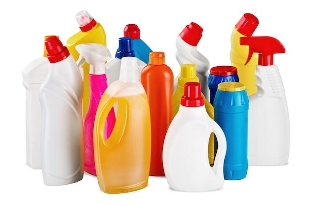 白い背景の上のペットボトルと洗浄装置