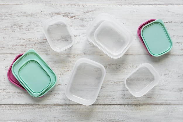 Plastic containers for transportation and storage food products