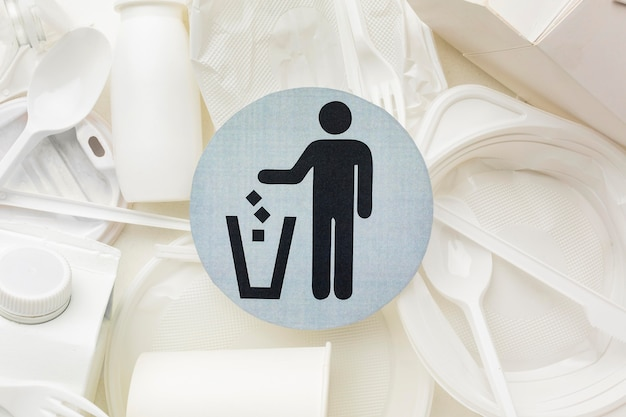 Plastic plates and cups recycling symbol