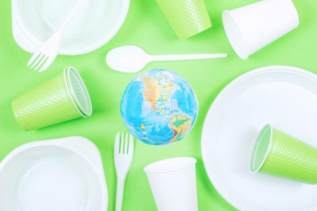 プラスチック、汚染、エコロジー、リサイクルのコンセプト