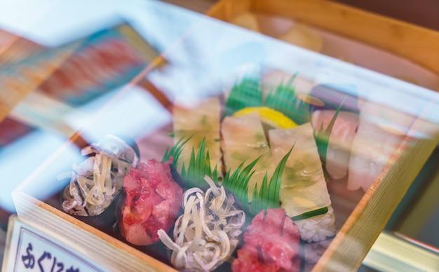 ディスプレイケースプラスチック寿司ロール