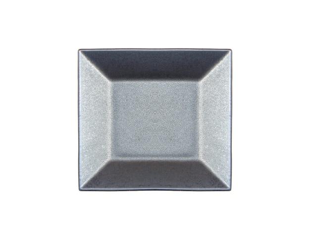 Тарелка, изолированная на белом с обтравочным контуром