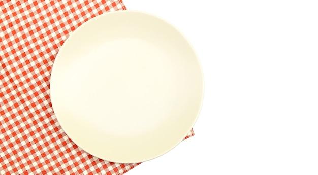흰색 배경에 식탁보에 접시
