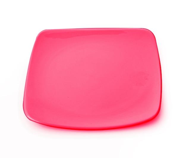 Тарелка квадратная красная пустая на белом фоне