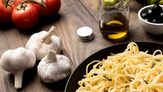 Piatto con deliziosi spaghetti