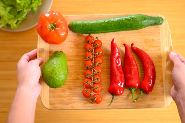 カピアペッパーとトマトのプレート