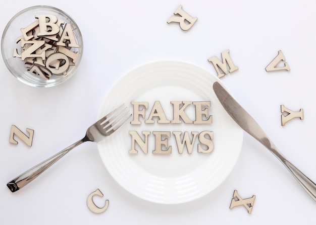 Plate with with fake news