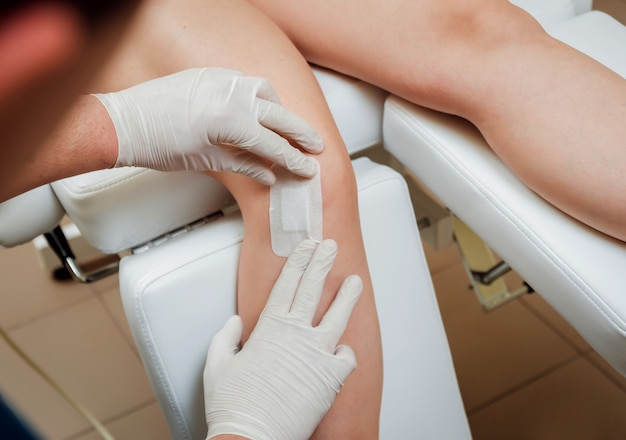 Обогащенная тромбоцитами плазменная инъекция колена