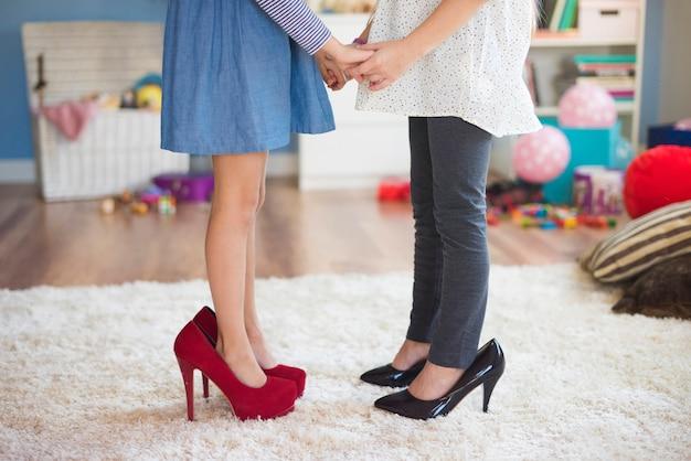 Игра с сестрой доставляет массу удовольствия