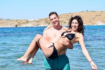 bikiniextreme-freepic-clit-bulge