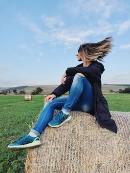 Игривый ветер, освободи свой разум и растворись в природе, пусть твои проблемы исчезнут