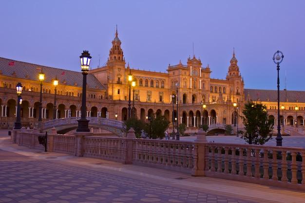 Plaza de espaãƒâ ± a ночью, севилья, испания