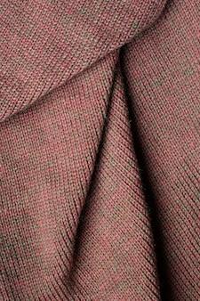Складки на ткани, трикотаж коричневого цвета, складки.