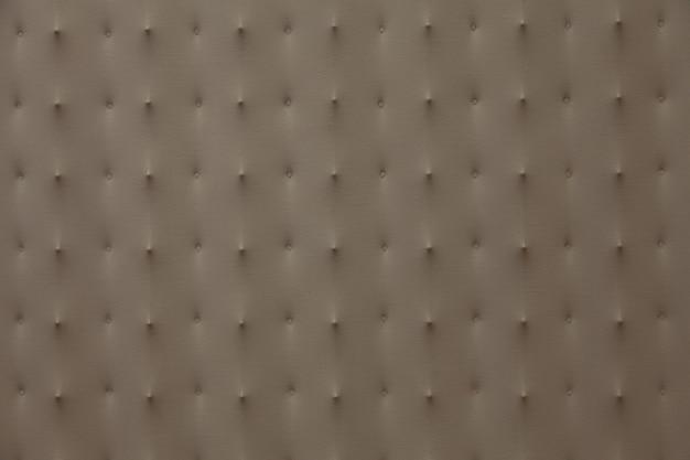 Множество деталей на текстильном фоне