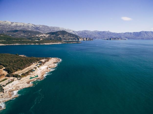 ブドヴァリビエラモンテネグロ航空写真のploceビーチ