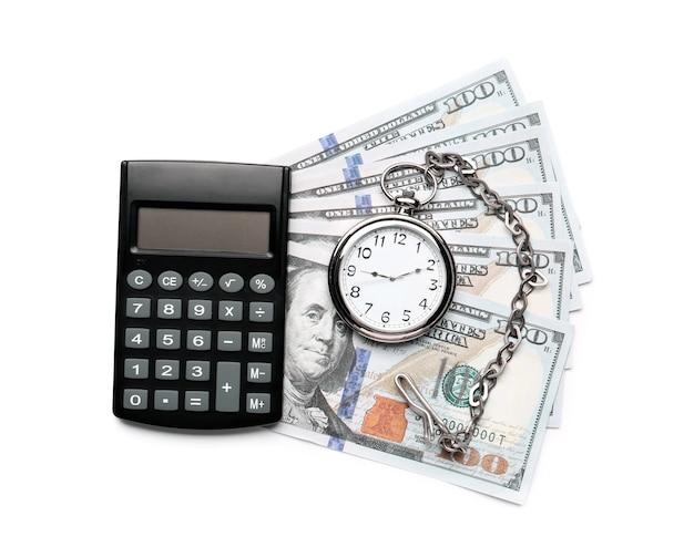 Карманные часы с калькулятором и деньгами на белом