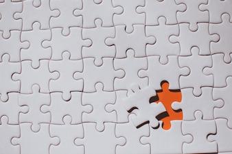 赤い部分ジグソーパズルを接続しているポイント保持