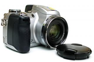 Point and shoot camera, close
