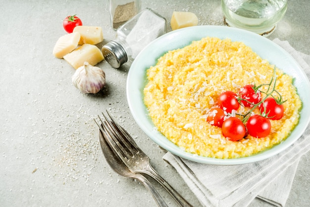 Polenta with tomatoes