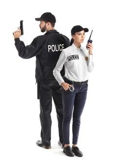 흰색 바탕에 경찰