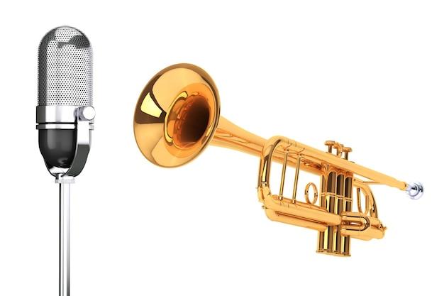 흰색 배경에 빈티지 은색 마이크가 있는 세련된 황동 트럼펫
